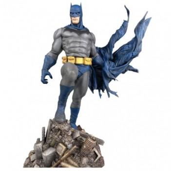 Estatua Batman Defiant DC...